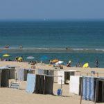 COTE ATLANTIQUE , SOULAC. La Plage du centre et cabines de plage. Soulac sur Merc - 33 - Gironde.