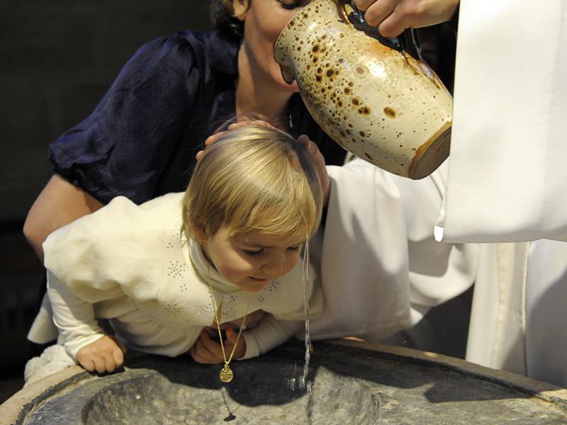 a52ac0e89fcc6 Le baptême est un événement religieux important de la vie d un enfant  catholique. Si vous êtes sur le point d être parrain ou marraine
